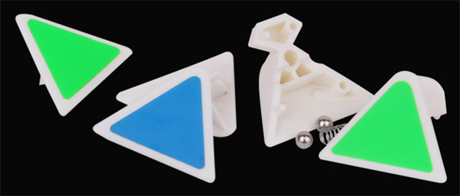 YuXin Little Magic Pyraminx Stickerless Magic Cube